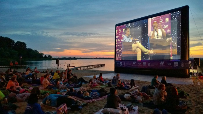 summer-cinema-projection